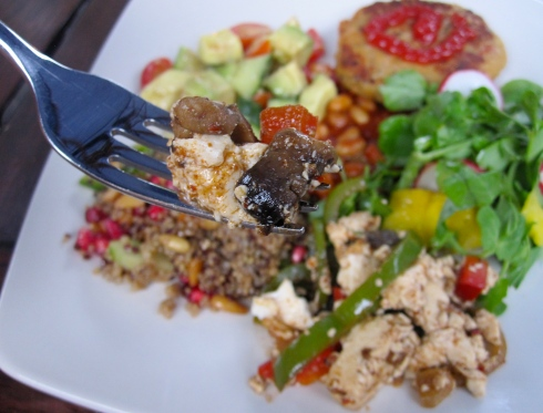 chickpea burger, cress salad, avocado & tomato salad, lentil pomegranate salad, tofu stirfry & baked beans!